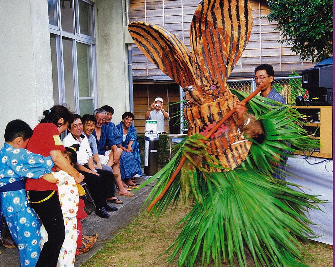 祭りを彩る異形の神々 日本の各地に伝わる来訪神がスゴイ!