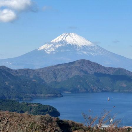 """「山の日」の今日。富士山に登る""""富士山さん""""と""""登山さん""""がいるかも?"""