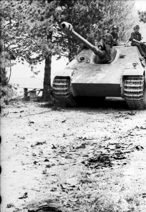 わずか415両の生産。最強の駆逐戦車「ヤークトパンター」とは? |BEST ...