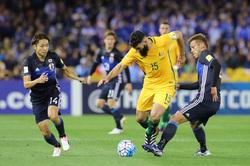 日本人は球際でどう勝負すべきなのか。<br />デュエルの精度を上げるためにもっとも大事なこと――岩政大樹の「現役目線」