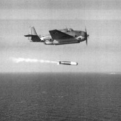 その時「敵機100機以上! 操縦士の顔が見える‼️ 」米軍の波状攻撃に「大和」機銃が間に合わない‼️【特攻まであと5日】